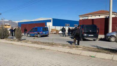 Photo of Hurda otomobili parçalarken patlama oldu: 1 ölü