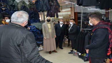 Photo of Başkan Ayşe Çakmak vatandaşın sorunları dinliyor