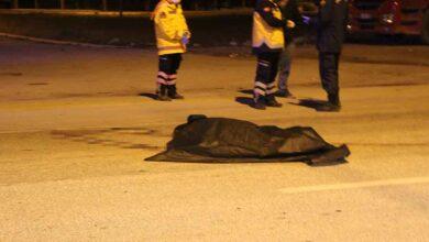 Photo of Karşıya Geçmek İsteyen Kamyon Şoförünü Ezdi
