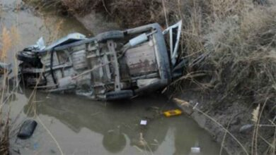 Photo of Hafif ticari araç kanala uçtu: 1 ölü, 1 yaralı