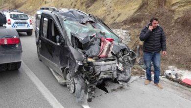 Photo of Aile kaza yaptı: 3 kişi hayatını kaybetti