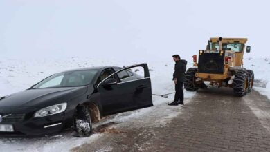 Photo of Şanlıurfa'da Karda mahsur kalanları ekipler kurtardı