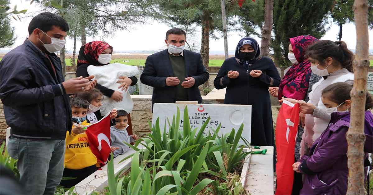 Urfa'da Haberi alan şehidin ailesi mezarlığa koştu