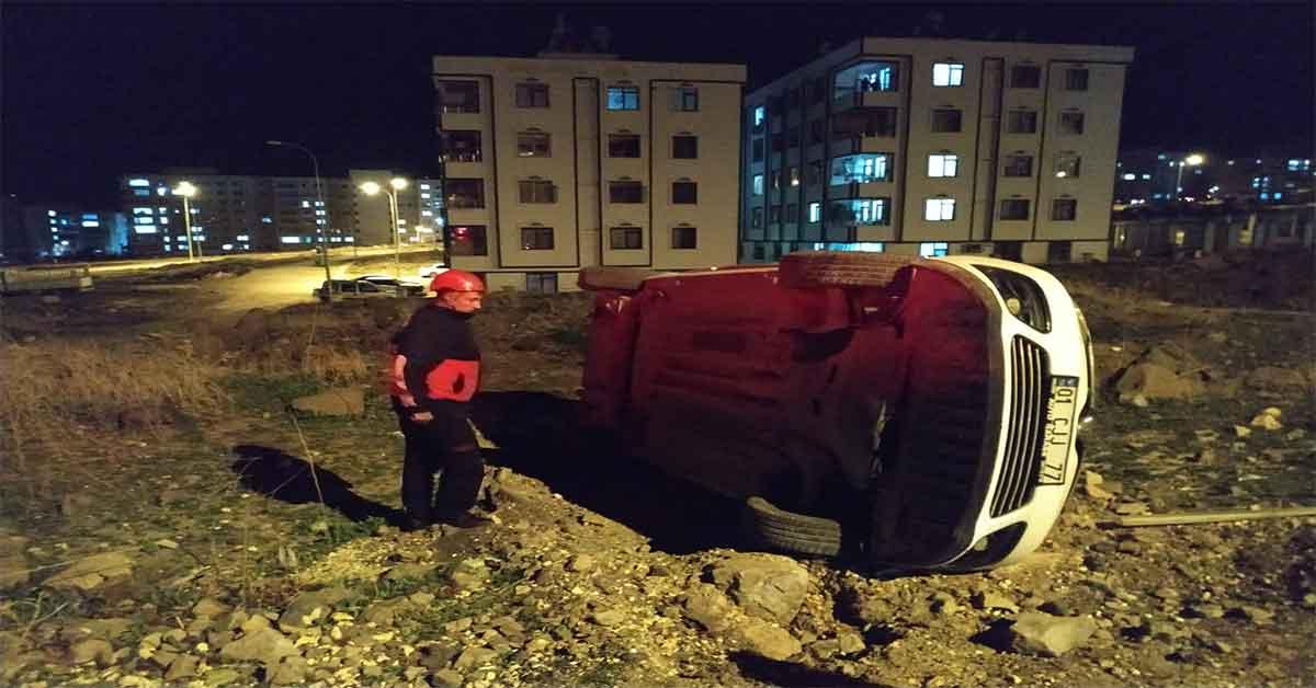 Şanlıurfa'da trafik kazası araba takla attı