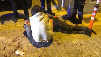 Photo of Annesiyle sevgilisini yakalayan lise öğrencisi dehşet saçtı