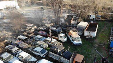 Photo of Arazide yakılan ateş 30'a yakın aracı kül etti
