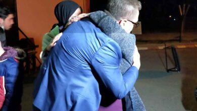 Photo of Kızını taciz eden adamı öldüren baba cezaevinden çıktı