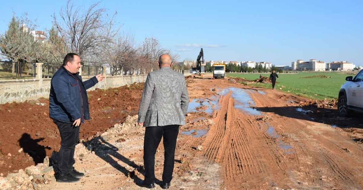 Viranşehir'de Mezalık yolunda üst yapı çalışması