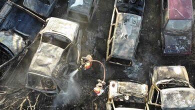 Photo of Arazide yakılan ateş 30 arabayı kül etti