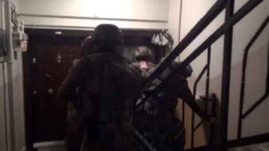 Photo of Kendilerini polis olarak tanıtan çeteye operasyon