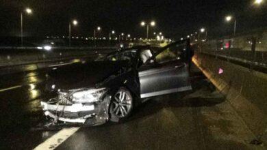 Photo of Hurdaya dönen araçtan burnu bile kanamadan çıktı!
