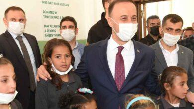 Photo of Suriye'de İki Okul Daha Hayırseverlerin Desteğiyle Onarıldı