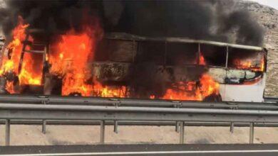 Photo of Şanlıurfa'da yolcu otobüsü alev alev yandı
