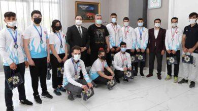 Photo of Şampiyonlardan Canpolat'a ziyaret