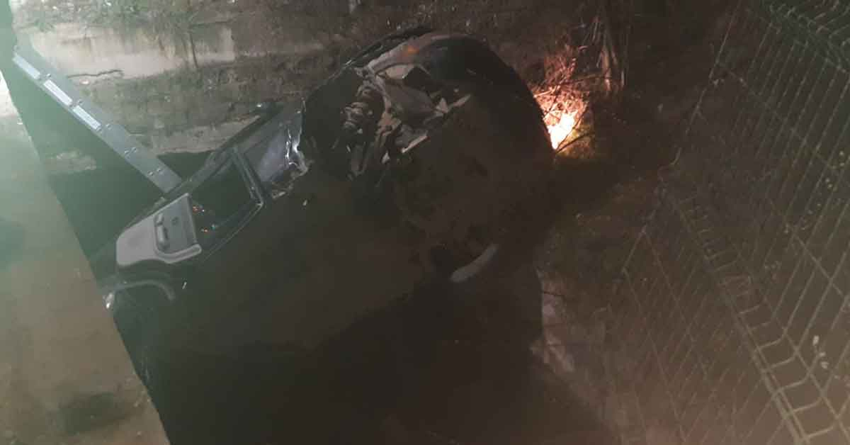 Kanala uçan cipin sürücüsü hayatını kaybetti