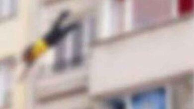 Photo of Arkadaşıyla tartışan 15 yaşındaki kız, balkondan atladı