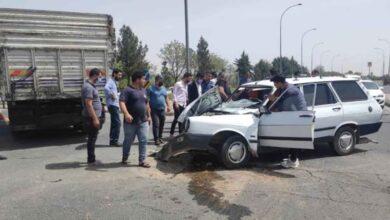 Photo of Şanlıurfa'da kamyonla otomobil çarpıştı: 3 yaralı