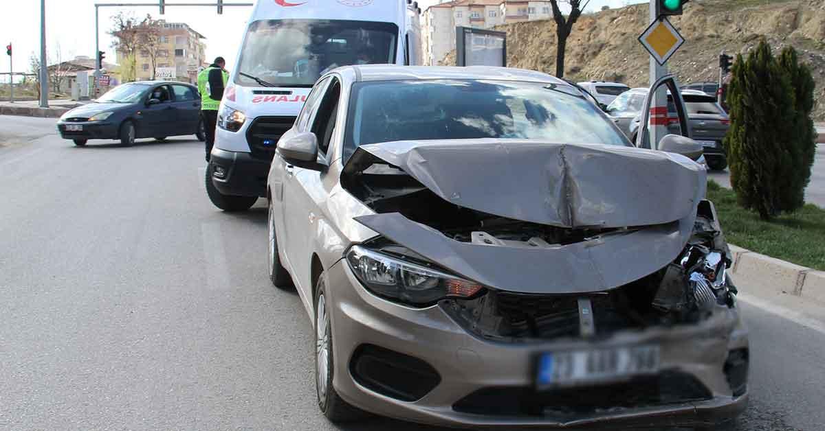 Kısıtlamada kaza yaptı, hem ehliyeti gitti, hem de ceza yedi