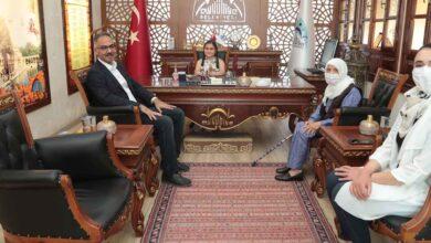 Photo of Başkan Kuş Koltuğunu Şehit torununa bıraktı