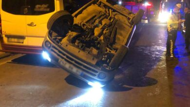 Photo of İki araca çarpan otomobil takla attı: 2 yaralı