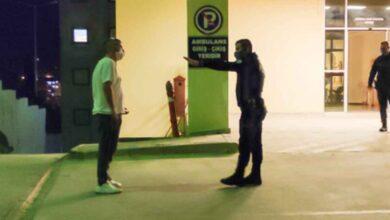Photo of Polisin yüzüne tükürerek 'korktun mu?' dedi