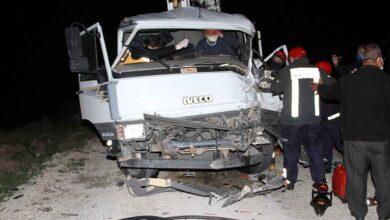 Photo of Kamyonet tırla çarpıştı: 1 ağır yaralı