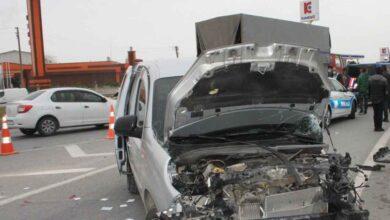 Photo of Tarım işçilerini taşıyan araç kaza yaptı: 6 yaralı