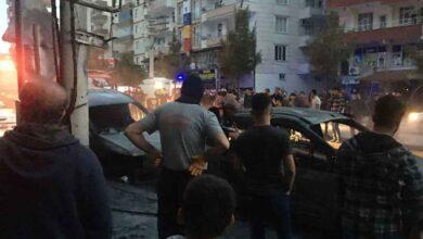 Photo of Trafo bomba gibi patladı, 3 araç alevlere teslim oldu