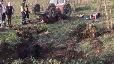 Photo of Devrilen traktörün altında can verdi