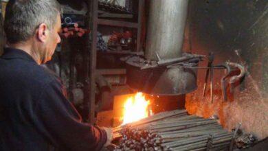 Photo of Urfa'da Ramazanda 70 derece sıcağın altında çalışıyor