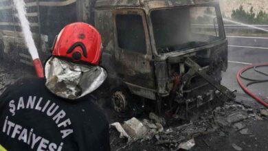 Photo of Şanlıurfa'da alev alan tır küle döndü