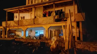 Photo of İftarı beklerken balkon duvarı devrildi: 3 yaralı