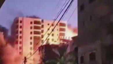 Photo of İsrail, Gazze'de 13 katlı binayı vurdu