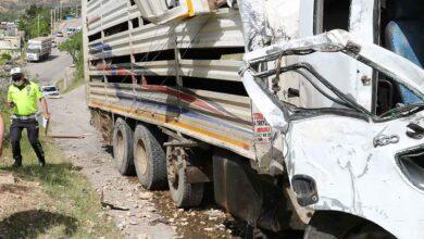 Photo of Freni boşalan kamyon 3 aracı biçti