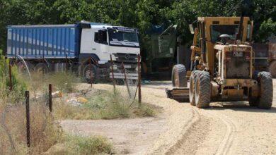 Photo of Karaköprü Kırsalında Yol Hizmeti Tam Gaz Sürüyor