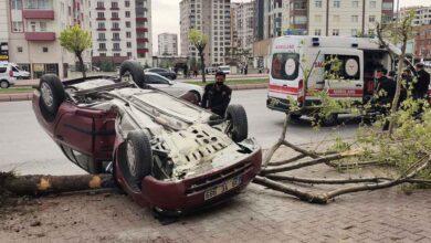 Photo of Otomobil ters döndü: 1 Yaralı