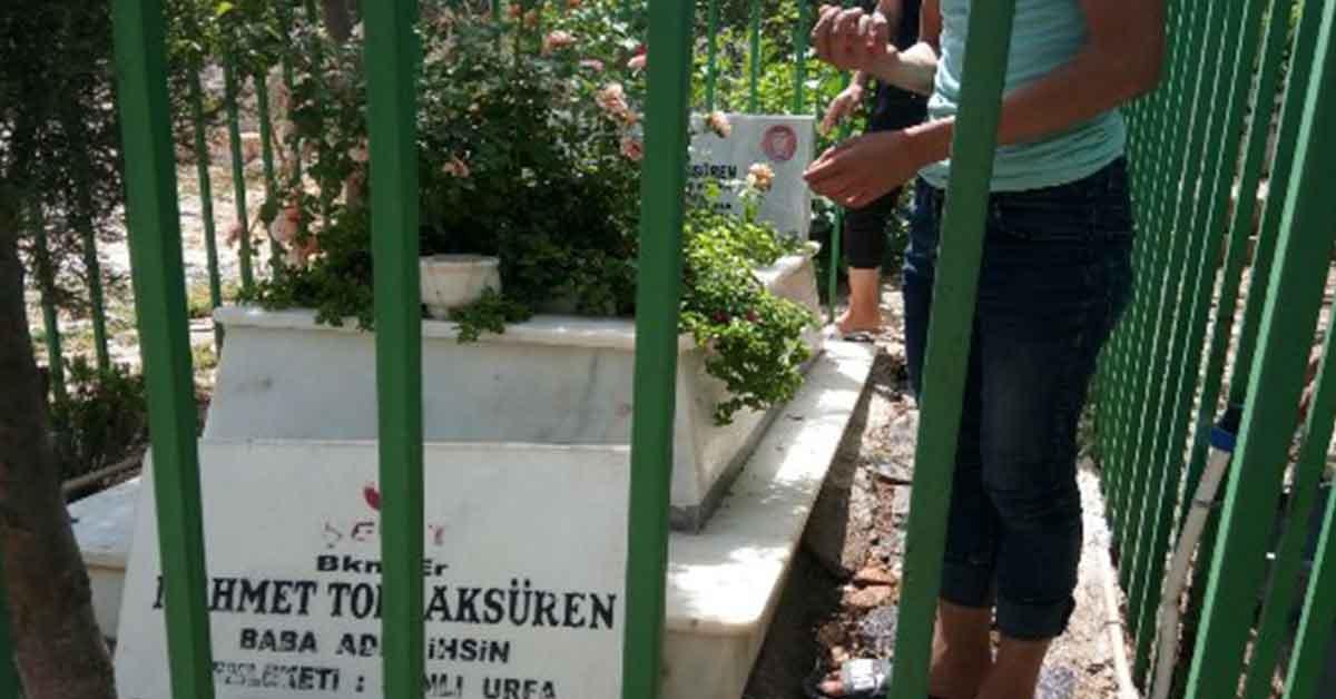 Şehirler Derneği başkanı Bekir kılcı Şehir mezarlarını temizletti.