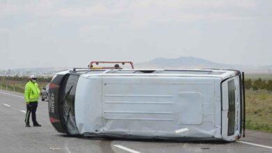 Photo of Urfa'dan giden tarım işçilerinin minibüsü devrildi