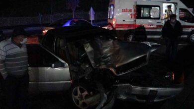 Photo of Otomobil ile hafif ticari araç çarpıştı: 7 yaralı