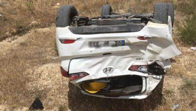 Photo of Adiyaman – Urfa yolunda otomobil şarampole yuvarlandı