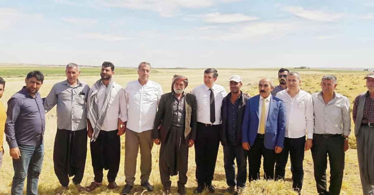 CHP Heyeti Tarlada Urfa Çiftçisini Dinledi