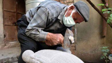 Photo of Urfa'da taşlara şekil vererek eserler ortaya çıkarıyor