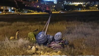 Photo of Urfa'da traktör şarampole devrildi: 1 ölü, 1 yaralı