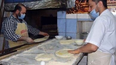Photo of Urfa'da yağlı ekmeğe rağbet sürüyor