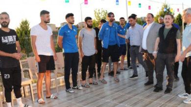 Photo of Başkan Ekinci ve Kaymakam Dereci Futbolcularla Buluştu