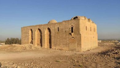 Photo of Defineciler Tarihi kiliseyi Talan etti