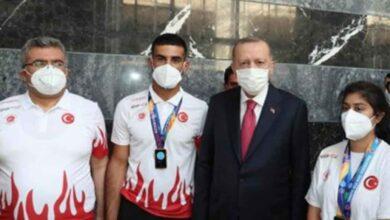 Photo of Urfa'lı Şampiyonlar Cumhurbaşkanı ile bir arada