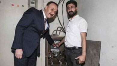 Photo of Urfa'da Elektrik Kesilir Suriye'de Kesilmez