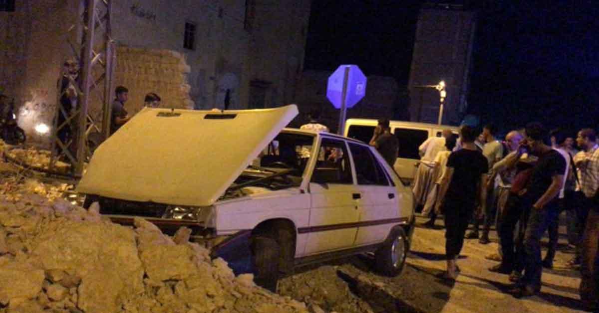 Urfa'da kırmızı ışık ihlalinde araçlar çarpıştı