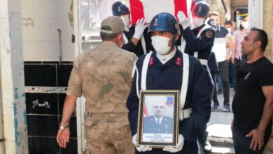 Photo of Şanlıurfa'da Uzman Çavuş gözyaşlarıyla toprağa verildi